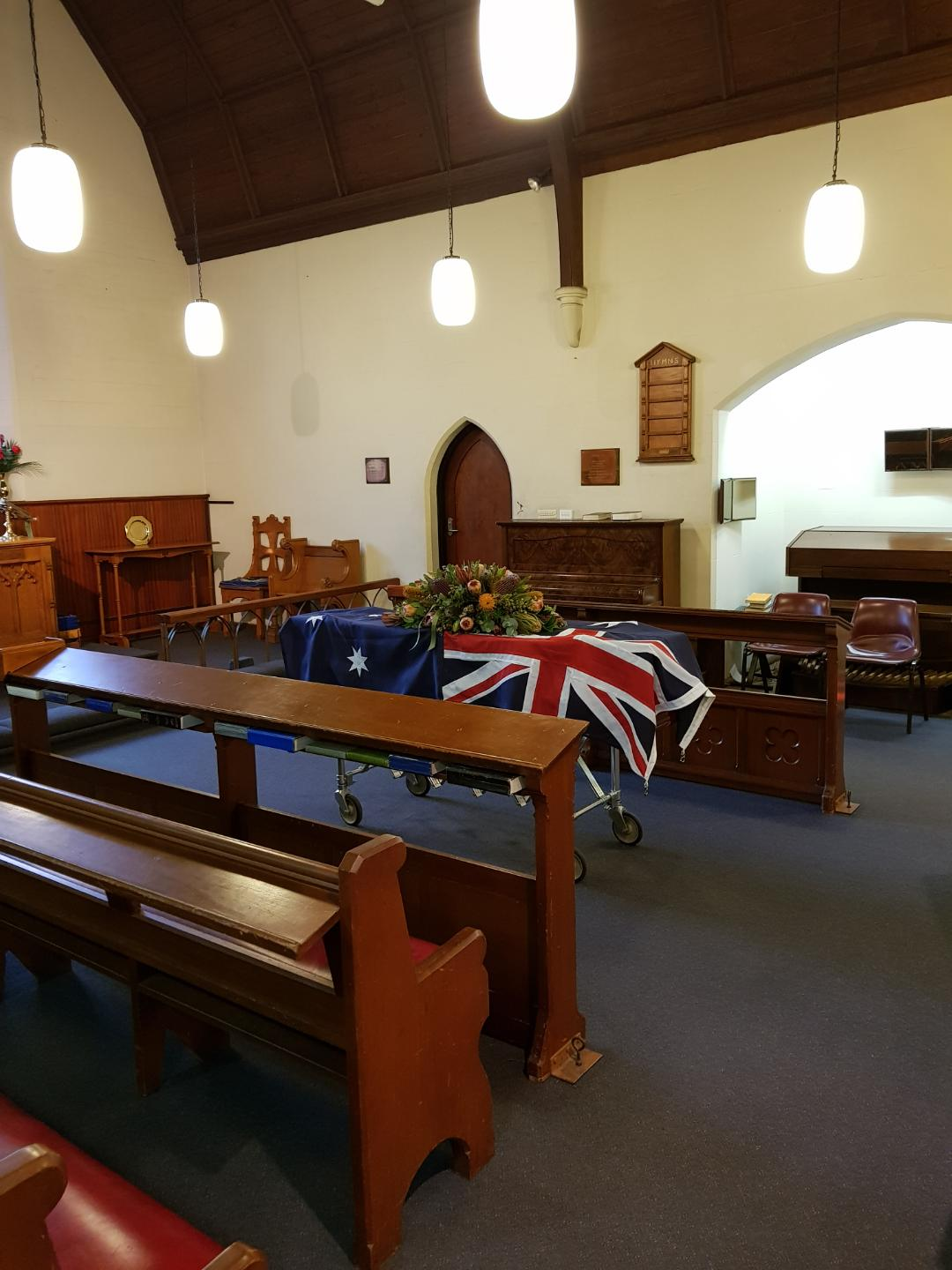 Christ_Church_Springwood_Anglican.jpg
